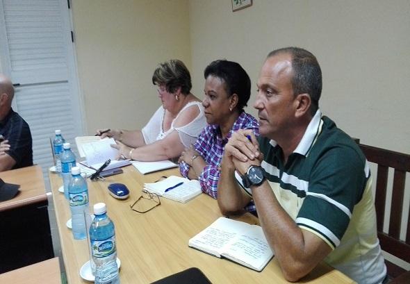 Constata Inés María Chapman tratamiento de los reciduales líquidos en Caibarién