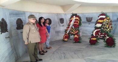 Homenaje a Martí