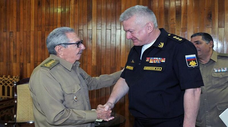Recibió Raúl al Comandante en Jefe de la Marina de Guerra de Rusia