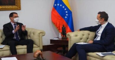 Venezuela insta al Reino Unido a deslindarse de planes golpistas de EEUU