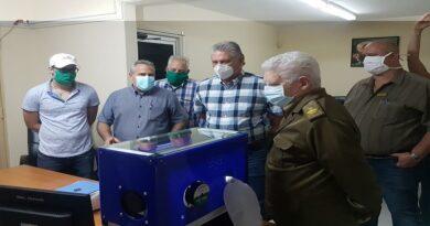 Visita Presidente cubano sede central del Grupo de la Electrónica