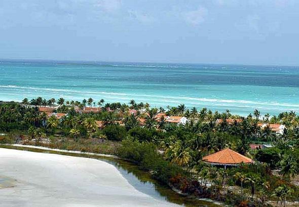 Rusia saluda anuncio de apertura de balnearios en Cuba