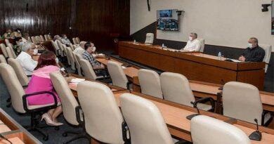 Presidente de Cuba insta a mantener comportamiento responsable