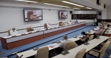 Presidió Raúl reunión del Buró Político que analizó medidas para enfrentar la situación económica