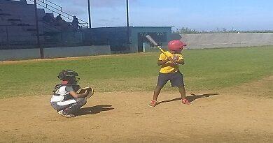 pioneros jugando beisbol